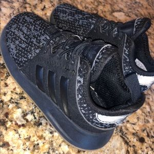 Toddlers adidas shoes